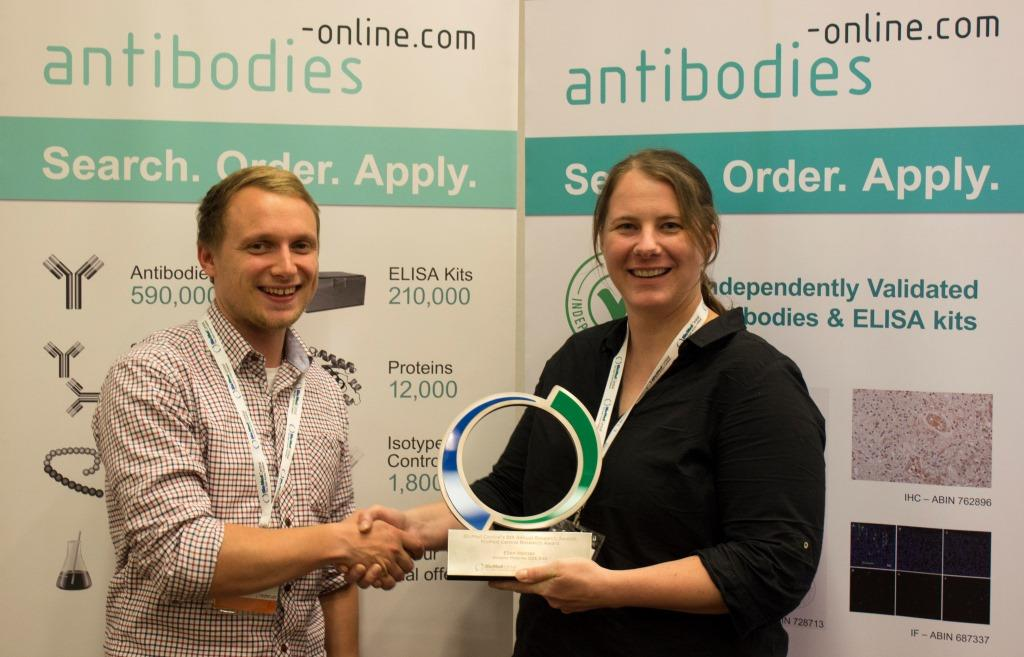 Johannes Fleischer from antibodies-online.com presenting Ellen Heitzer with BioMed Central's overall Research Award.